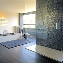 Texturas Neo: minimalistic Bathroom by The Mosaic Company