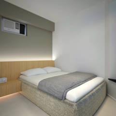 LT's RESIDENCE:  Bedroom by arctitudesign, Minimalist
