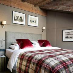 Skyfall Austria Scandinavian style bedroom by Architectural Interiors + Superyacht Photographer Scandinavian