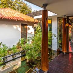 G Farm House:  Garden by Kumar Moorthy & Associates