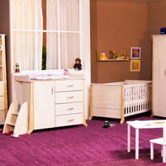 """Kinderzimmer """"Willi"""":  Kinderzimmer von taube Kinder- und Jugendmöbel,Skandinavisch"""