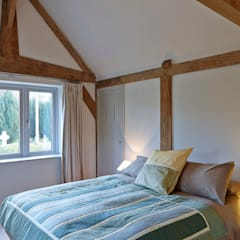 Stable Cottage: country Bedroom by Adam Coupe Photography Limited