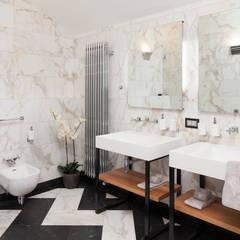квартира: Ванные комнаты в . Автор – Nelly Say, Модерн