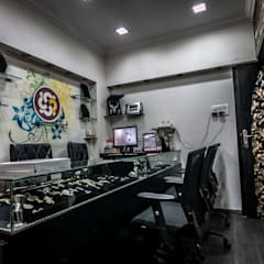 Jewellery Showroom:  Offices & stores by Instinct Designs