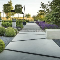 Moderne villatuin Middelburg:  Tuin door ERIK VAN GELDER | Devoted to Garden Design