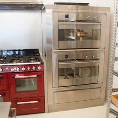 آشپزخانه توسطF Design Studio, صنعتی
