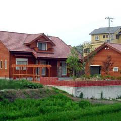 庭から: 溝口建築設計が手掛けた庭です。