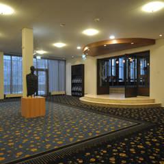 Schouwburg Arnhem:  Bars & clubs door Bobarchitectuur