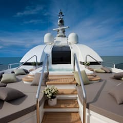 Yachts & Jets de style  par CRN SPA - YACHT YOUR WAY-