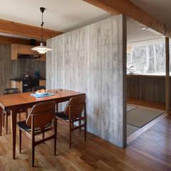 Dining room by すわ製作所, Modern