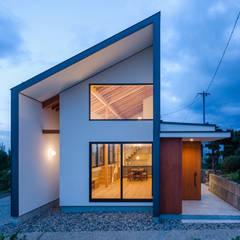 Houses by  スタジオアウラ一級建築士事務所