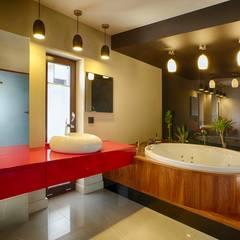 DOM W KOSZALINIE Studio Projektowe Projektive Nowoczesna łazienka