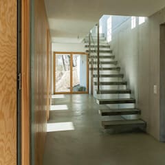 الممر والمدخل تنفيذ GIAN SALIS ARCHITEKT , حداثي