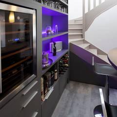 Espace Bar 2: Cave à vin de style  par WM