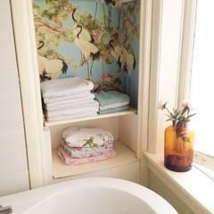 Voorbeelden:  Badkamer door Retroloekie,