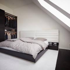 Referenzprojekt Schmalenbach Design:  Schlafzimmer von HOME Schlafen & Wohnen GmbH