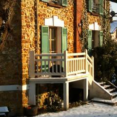 Maules, Yvelines: Maisons de style de style Classique par Agence Diot-Clément