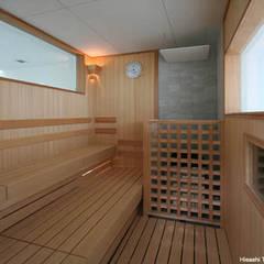Sea Side House: 鷹取久アーキテクトオフィスが手掛けたサンルームです。