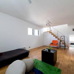 秘密基地のある家: ラブデザインホームズ/LOVE DESIGN HOMESが手掛けた子供部屋です。