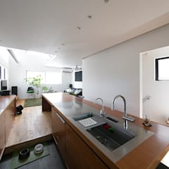 Kitchen units by ラブデザインホームズ/LOVE DESIGN HOMES