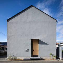 北面外観: 川添純一郎建築設計事務所が手掛けた家です。