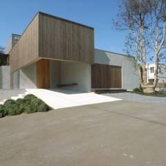 BREATH|中庭と水盤のある家: 中庭のある家|水谷嘉信建築設計事務所が手掛けた家です。,モダン