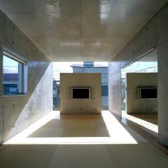 下町のコンクリートCUBE: atelier mが手掛けた壁です。,