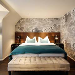 Hotel City, Zurich:  Bedroom by Studio Frey, Modern