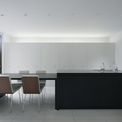 Dining room by ラブデザインホームズ/LOVE DESIGN HOMES