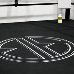 La belle équipe: Salle de sport de style de style eclectique par Spray architecture