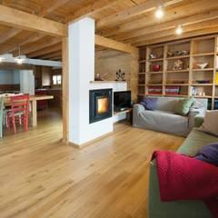 Panoramica soggiorno: Case in stile  di Parchettificio Garbelotto Srl -  Master Floor Srl