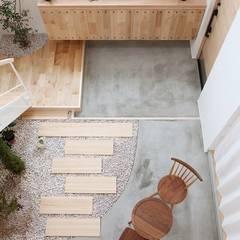 Couloir et hall d'entrée de style  par ALTS DESIGN OFFICE, Éclectique