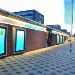 renovatie winkelcentrum de Wielewaal:  Winkelcentra door Linea architecten