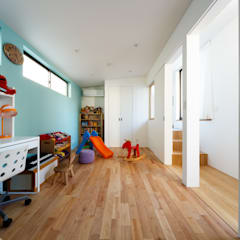Nursery/kid's room by 一級建築士事務所haus
