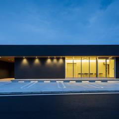 by YOKOI TSUTOMU architects,