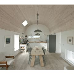 House No. 7:  Dining room by Denizen Works,