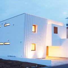Trapezium House: Kichi Architectural Designが手掛けた家です。,