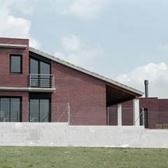 SouthWest façade Moderne Häuser von FG ARQUITECTES Modern
