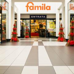 """Natale originale e ecologico con i nostri alberi """"Bon"""": Centri commerciali in stile  di Nardi Mobili in Cartone"""