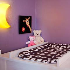 Baby Side - Chambre bébé Ana: Chambre d'enfant de style de style Minimaliste par B.Inside