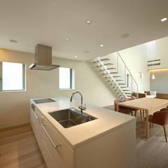 キッチン: Atelier Squareが手掛けたキッチンです。