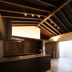 野間の家: 傳寶慶子建築研究所が手掛けたキッチンです。