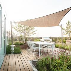 بلكونة أو شرفة تنفيذ Studio REDD exclusieve tuinen