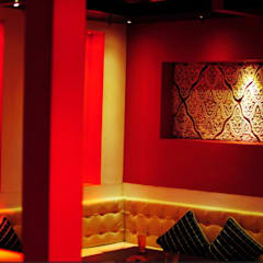 Blue d lounge :  Hotels by Studio Interiors Infra Height Pvt Ltd