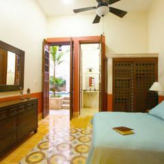 Arturo Campos Arquitectos의  침실