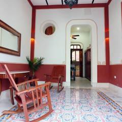 Vestíbulo: Pasillos y recibidores de estilo  por Arturo Campos Arquitectos