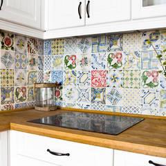 Mieszkanie letnie.: styl , w kategorii Kuchnia zaprojektowany przez Miśkiewicz Design