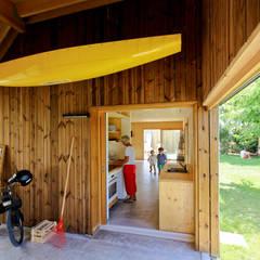 Atelier partagé: Garage / Hangar de style de style Moderne par TICA