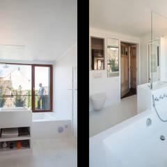 Gewad: Salle de bains de style  par atelier vens vanbelle
