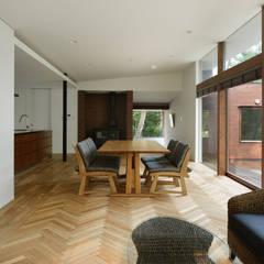 ダイニング~029那須Hさんの家: atelier137 ARCHITECTURAL DESIGN OFFICEが手掛けたダイニングです。